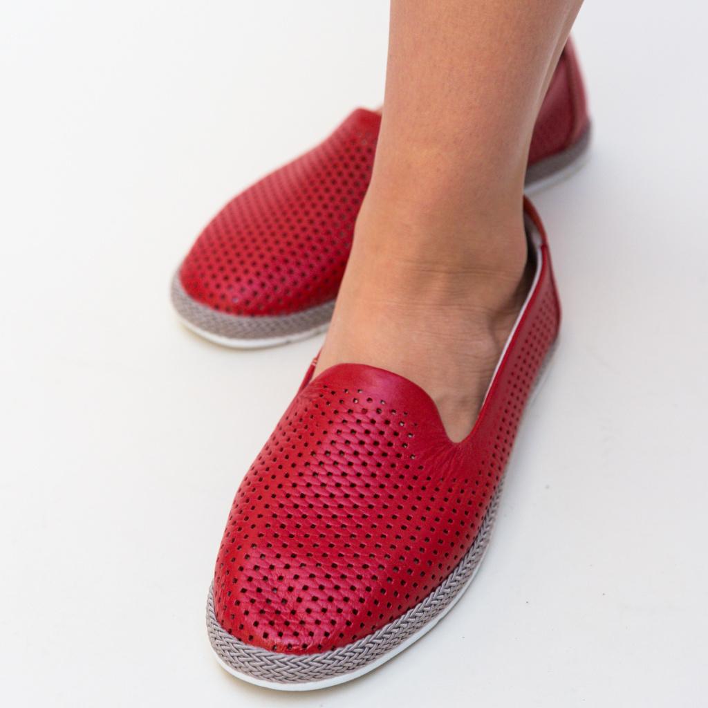 Pantofi rosii casual