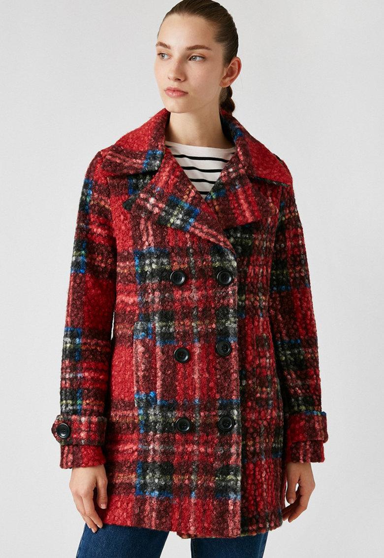 Palton cu model in carouri