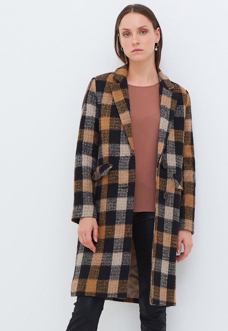 Palton din amestec de lana cu imprimeu in carouri si revere decupate