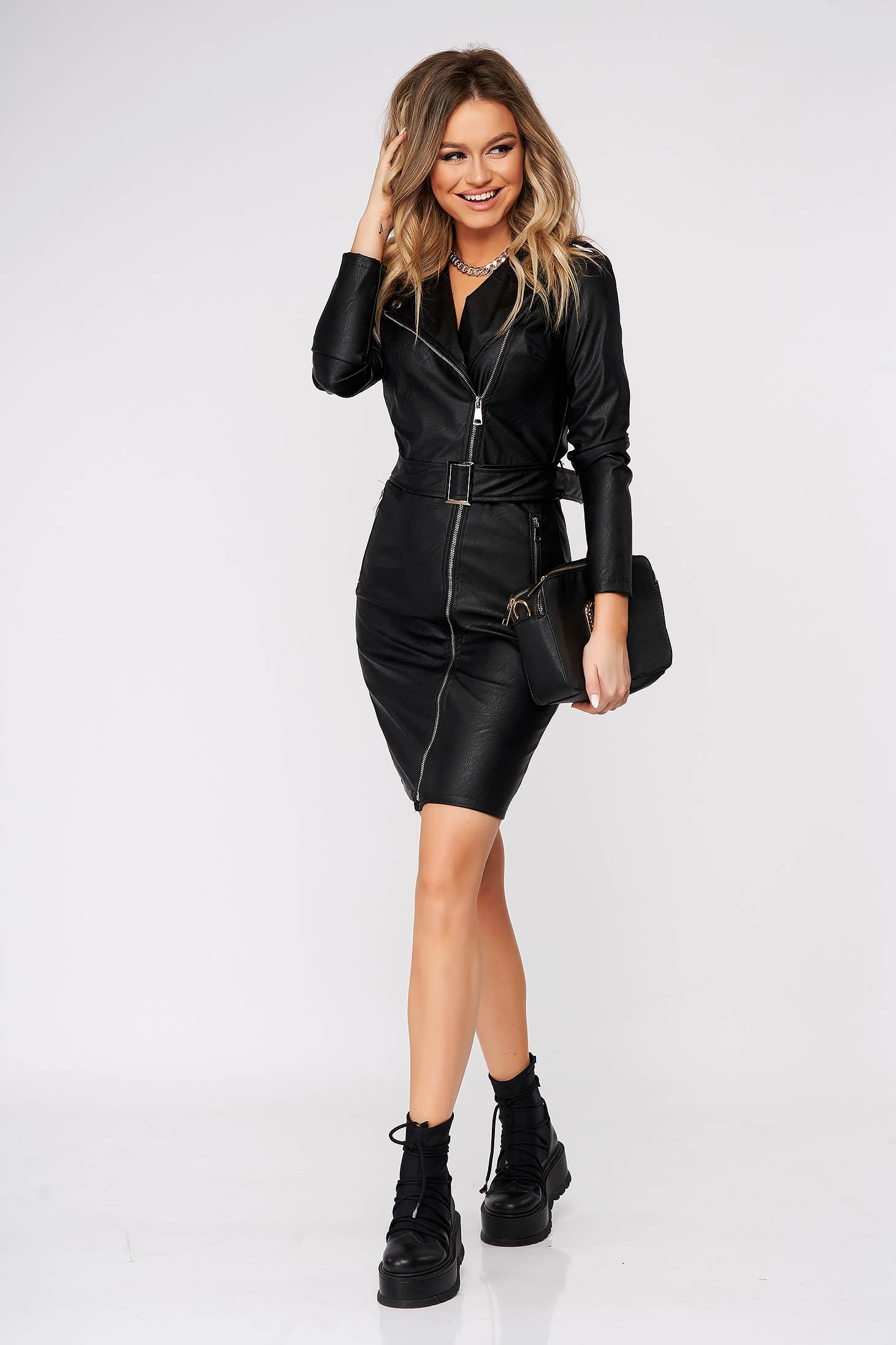 Rochie SunShine neagra casual cu un croi cambrat imitatie de piele accesorizata cu cordon