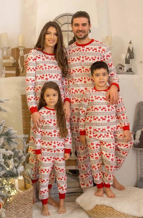 set de pijamale pentru familie- dama plus copil- Jingle Red