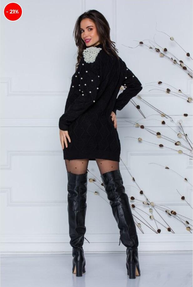 Rochie din tricot, croiu lejer, textura din tricot cu model, accesorizata cu perlute de diferite dimensiuni