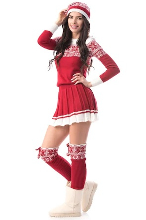 Rochie tricotata rosie, model de iarna