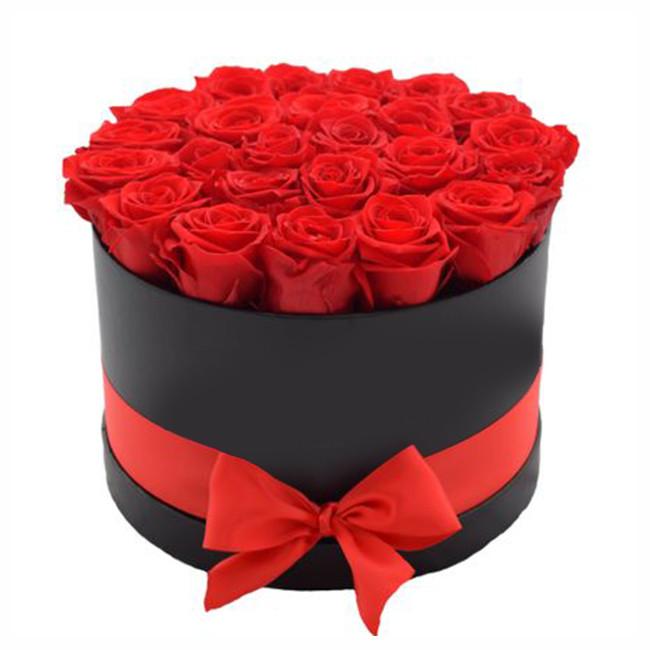 Aranjament floral 25 trandafiri de sapun rosii, in cutie cadou