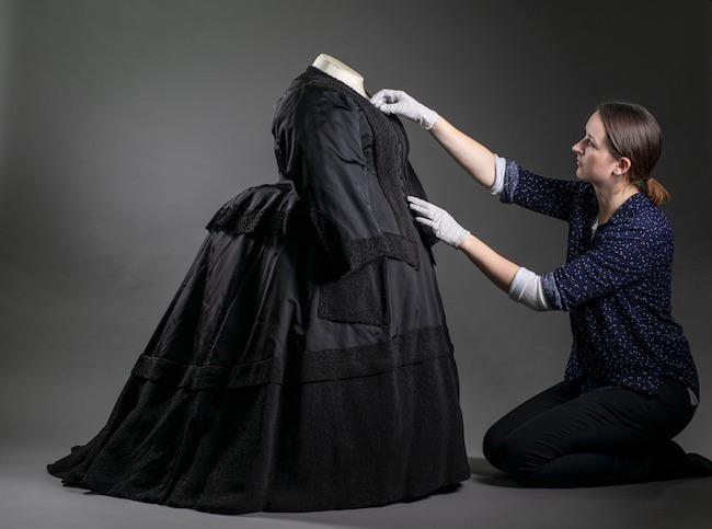 o rochie a Reginei Victoria - marime naturala